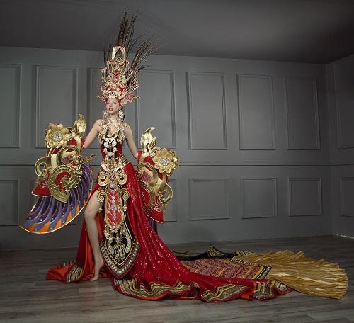 Khả Trang diện trang phục nặng 45kg thi HH Siêu quốc gia - 1