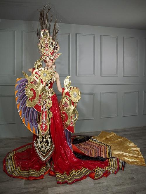 Khả Trang diện trang phục nặng 45kg thi HH Siêu quốc gia - 3