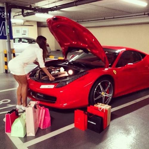 Cuộc sống vương giả của công chúa giàu có nhất Dubai - 7