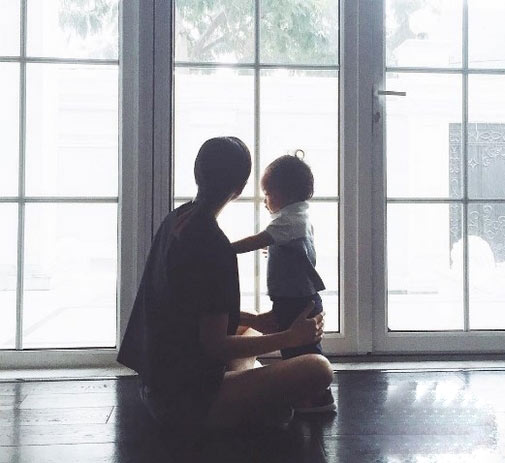 Cuộc sống quá khác biệt của Hà Tăng và em chồng - 2