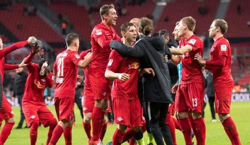 """""""Leicester nước Đức"""" ghi bàn hiệu quả hơn MU, Barca - 1"""