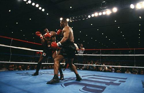 """30 năm cú knock-out đưa Mike Tyson thành """"Thần"""" - 3"""
