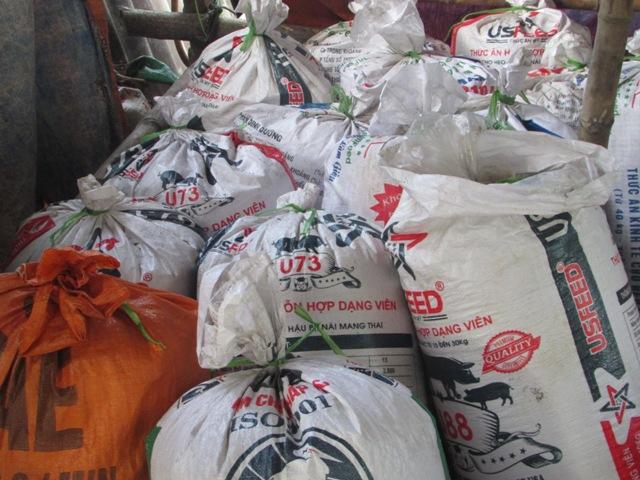 Bắt lò chuyên sản xuất mỡ bẩn đưa ra Hà Nội để tiêu thụ - 1