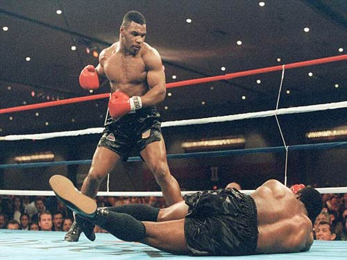 """30 năm cú knock-out đưa Mike Tyson thành """"Thần"""" - 4"""