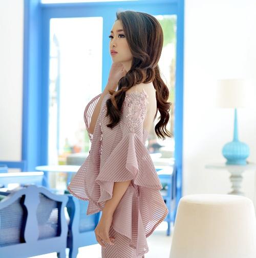 Hoa hậu Mỹ Linh di chuyển như con thoi vẫn đẹp hút mắt - 5
