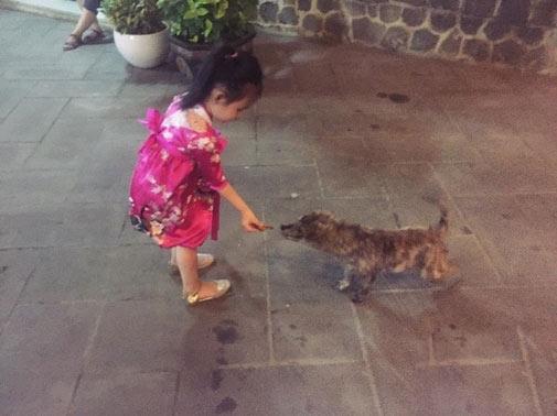 Choáng ngợp cuộc sống của con gái Thủy Tiên - Công Vinh - 11