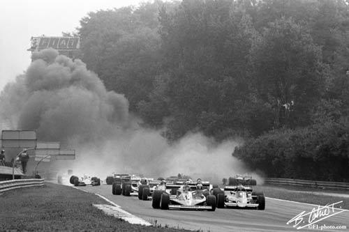 F1, những kình địch cùng đội: Bi kịch mất mạng - 1