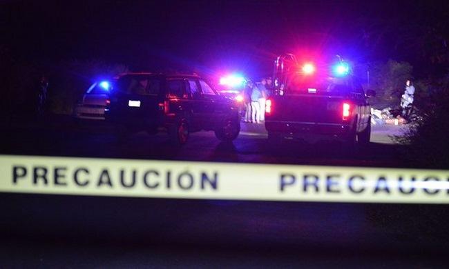 Phát hiện 9 người bị chặt đầu bên vệ đường ở Mexico - 1
