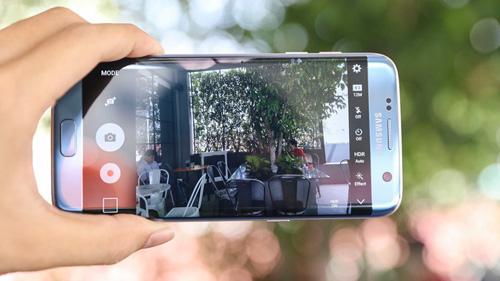 """Galaxy S7 edge Xanh Coral đăng quang ngôi """"hoa hậu"""" làng công nghệ - 2"""