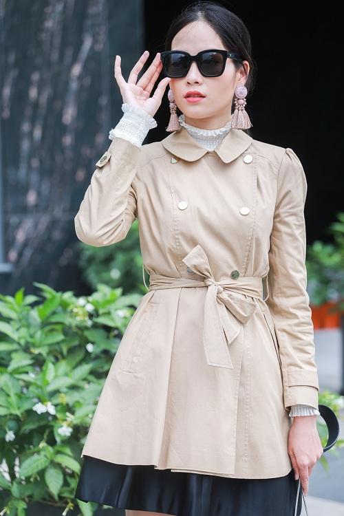Mặc nắng gắt, mẫu Việt vẫn khoác áo len ngột ngạt - 3