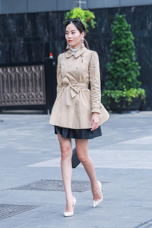 Mặc nắng gắt, mẫu Việt vẫn khoác áo len ngột ngạt - 4