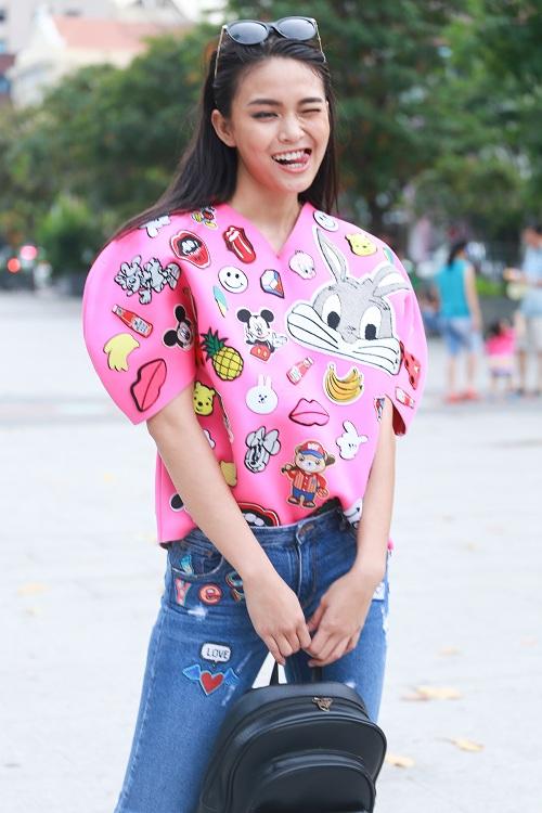 Mặc nắng gắt, mẫu Việt vẫn khoác áo len ngột ngạt - 10