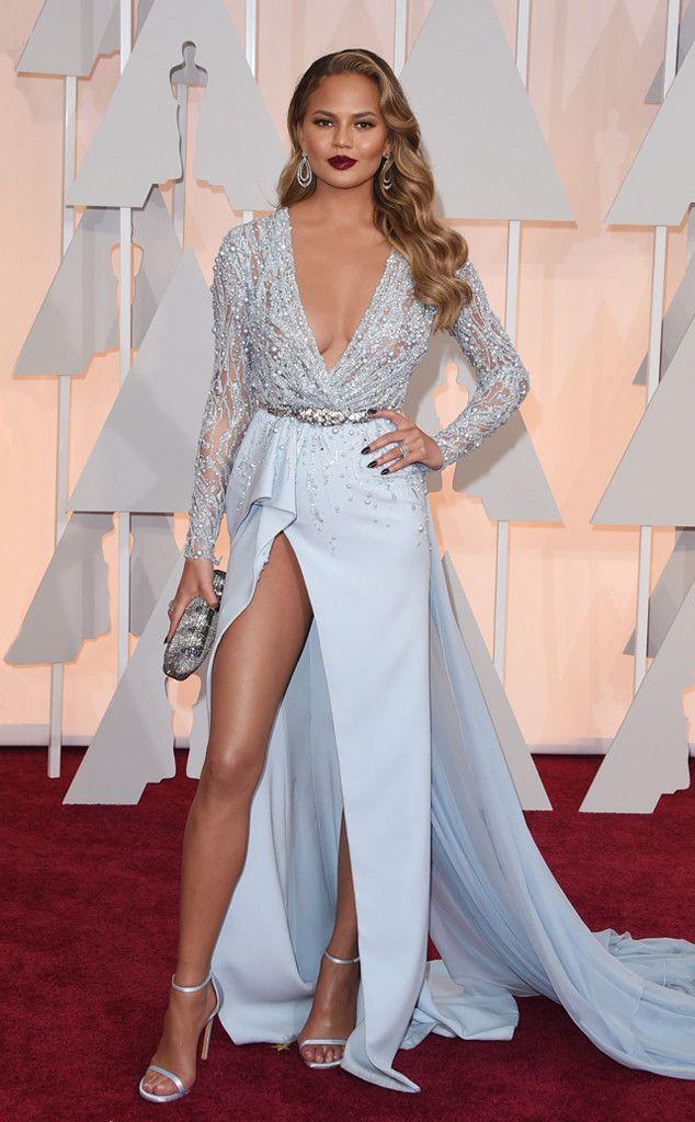 Chân dài Mỹ xin lỗi về sự cố với váy xẻ cao đến bụng - 8