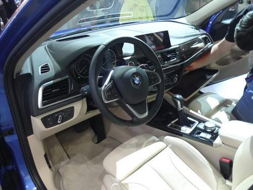 BMW 1-Series Sedan hoàn toàn mới lần đầu ra mắt - 5