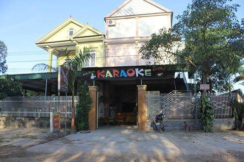 Nghi phạm đâm chết người tại quán karaoke đầu thú - 1