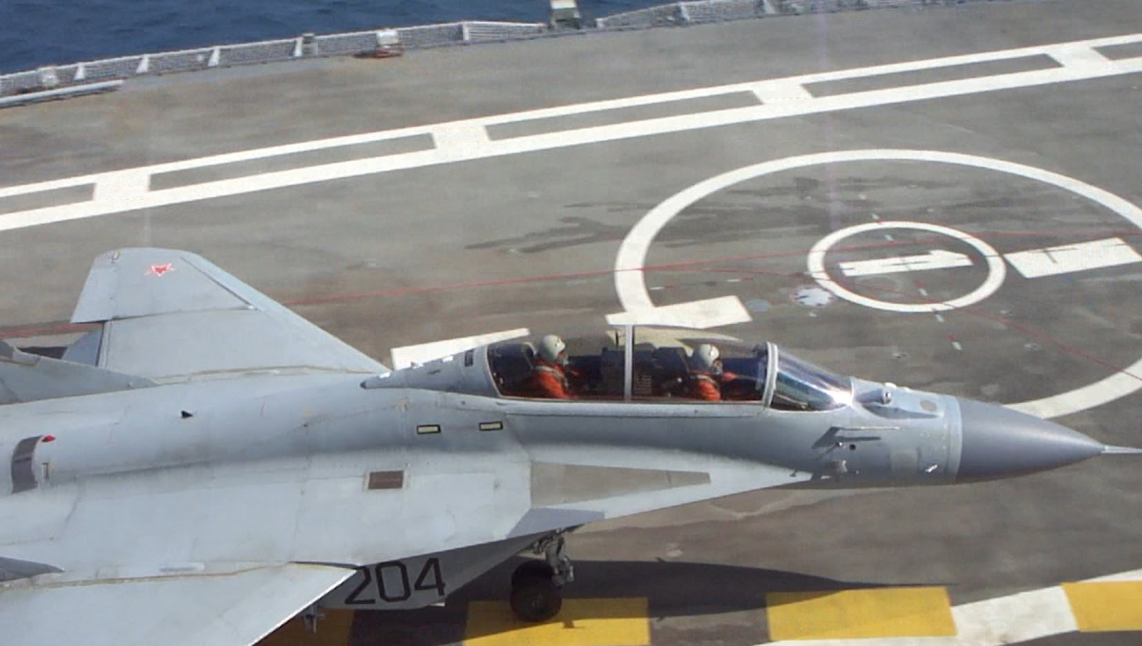 Nguyên nhân MiG-29K Nga vỡ tan khi hạ cánh ở tàu sân bay - 2