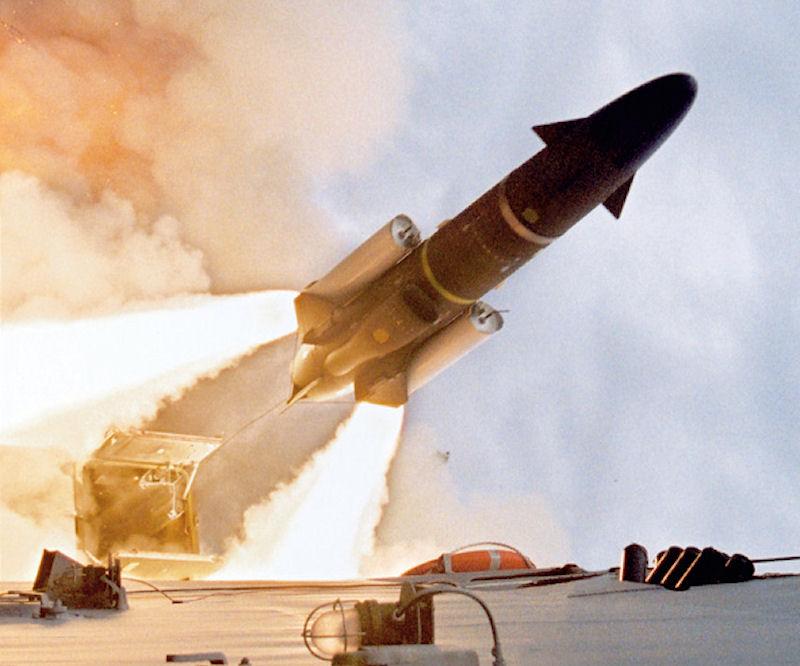 Thụy Điển lấy tên lửa diệt hạm từ bảo tàng đề phòng Nga - 2