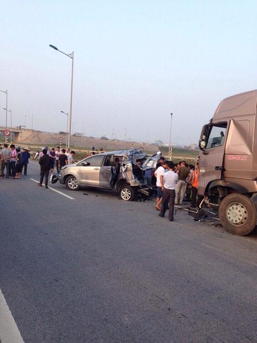 Tai nạn thảm khốc trên cao tốc: Biển báo chỉ đường quá nhỏ? - 1