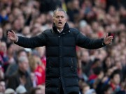 """Bóng đá - MU: Mourinho """"bạc tóc"""" vì không vào nổi top 4 giải NHA"""