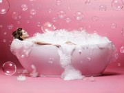 Tự làm xà bông tắm dạng thạch giúp da mịn hơn em bé