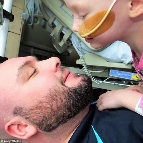 Cô bé 4 tuổi gồng mình chiến đấu với ung thư qua đời - 2