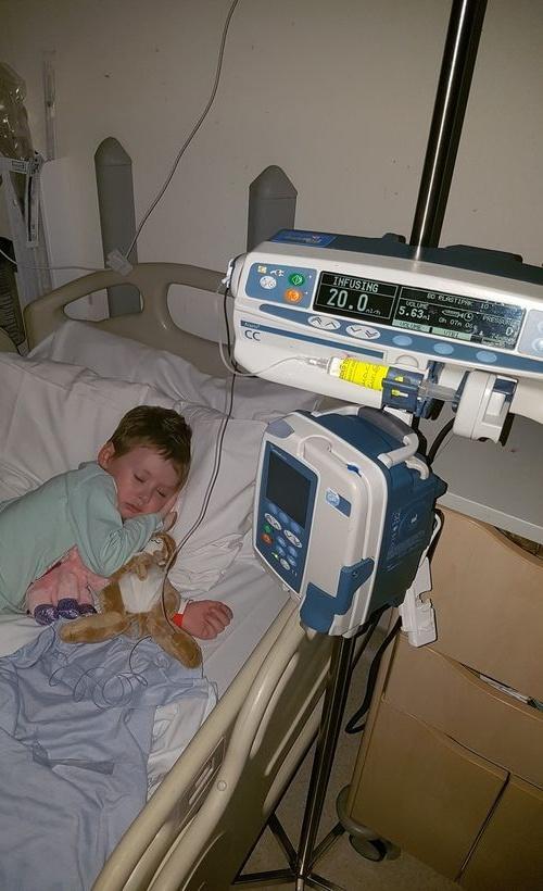 Cô bé 4 tuổi gồng mình chiến đấu với ung thư qua đời - 3