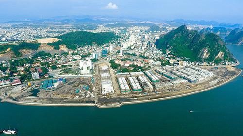 Mua nhà phố Vinhomes Dragon Bay, nhận cam kết lợi tức cho thuê lên tới 7 tỷ đồng - 1