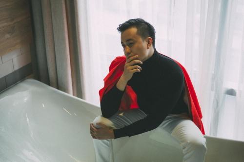 """Lương Mạnh Hải: """"Không sợ nếu chết tên với vai đồng tính"""" - 1"""