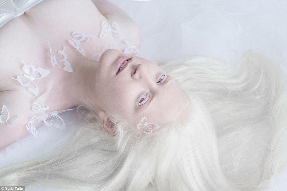 Vẻ đẹp tinh khiết khác lạ của những người Nga bạch tạng - 2