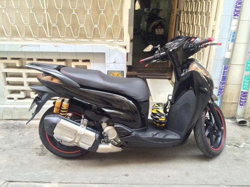 Soi Honda SH300i độ siêu khủng xuất hiện tại Hà Nội - 2