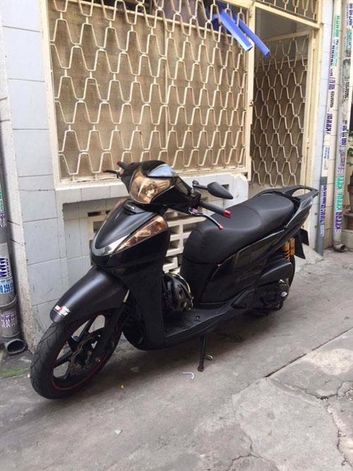 Soi Honda SH300i độ siêu khủng xuất hiện tại Hà Nội - 4
