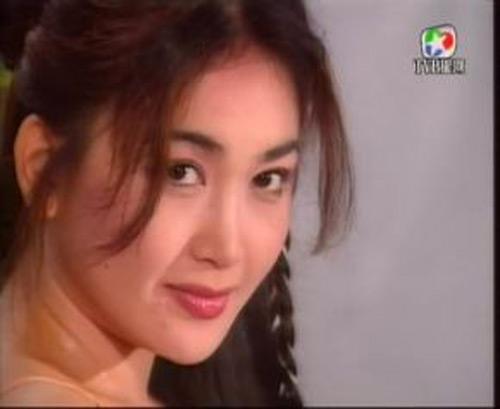 Số phận trái ngược ở tuổi 50 của 2 mỹ nhân đẹp nhất Hoa ngữ - 2