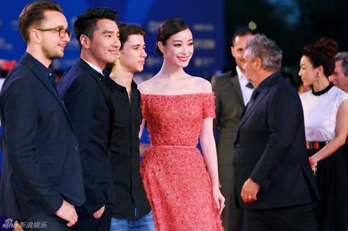 Mỹ nhân Hoa lấn át sao Hollywood trong phim hành động - 9