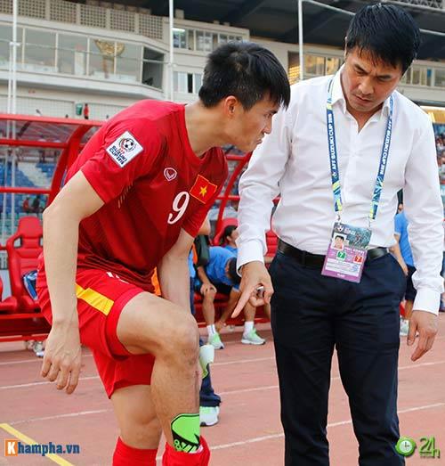 HLV Hữu Thắng & Công Vinh tố cầu thủ Malaysia đá láo - 5