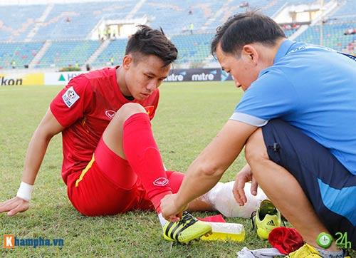 HLV Hữu Thắng & Công Vinh tố cầu thủ Malaysia đá láo - 9