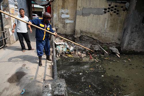 """Sông hồ Hà Nội: Những """"lá phổi"""" chết giữa Thủ đô - 11"""