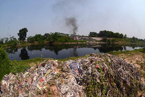 """Sông hồ Hà Nội: Những """"lá phổi"""" chết giữa Thủ đô - 14"""