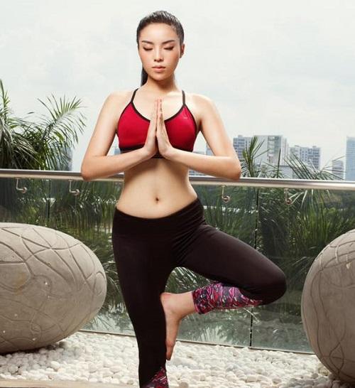 Hoa hậu Kỳ Duyên liên tiếp mặc táo bạo sau khi Nam tiến - 7