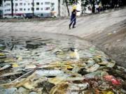 Tin tức trong ngày - Bao cao su ngập hồ Linh Đàm: Nghi vấn xe hút bể phốt xả trộm?