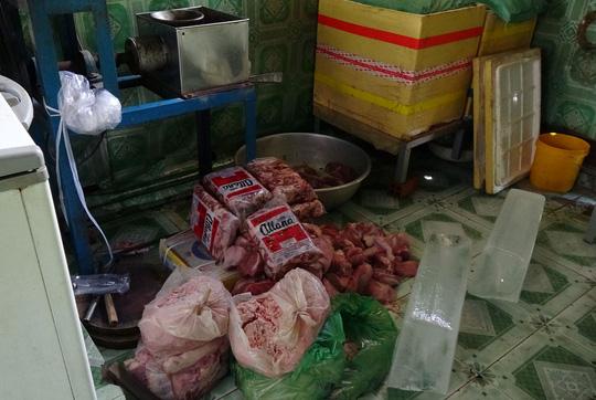 Phạt 40 triệu đồng cơ sở biến thịt thối thành bò viên - 1