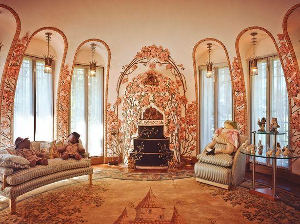 """Thâm nhập """"cung điện"""" gần 70.000 m2 của Donald Trump - 3"""