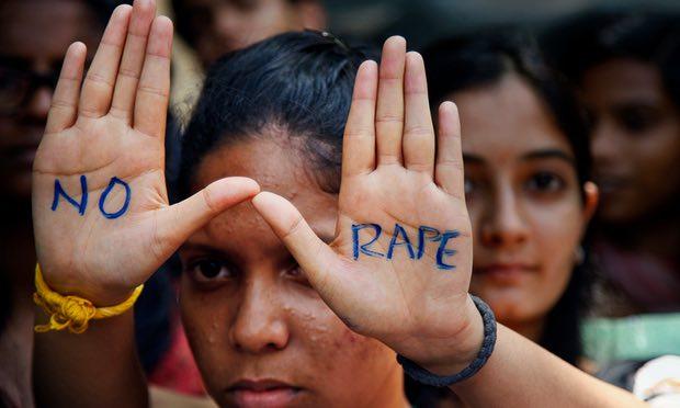Bộ trưởng Ấn Độ gây sốc khi nói về hiếp dâm - 2