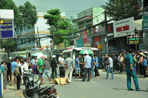 3 xe buýt tông nhau, hơn 100 hành khách khóc thét - 3