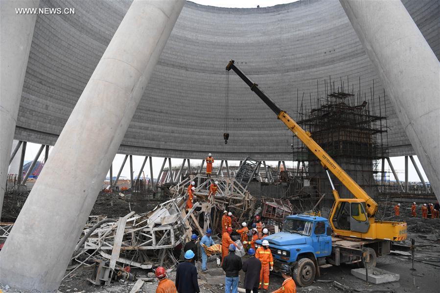 Sập giàn giáo ở Trung Quốc khiến 40 người tử nạn - 2