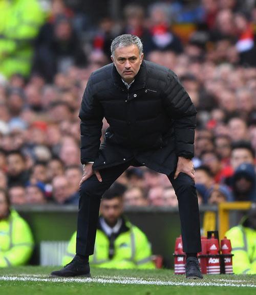 Mourinho: Xây đế chế MU, cần thời gian như Sir Alex - 1
