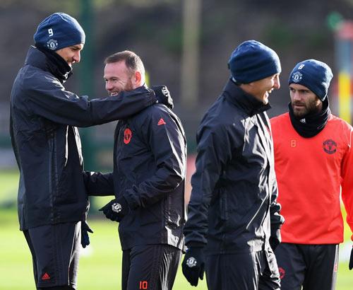 Mourinho: Xây đế chế MU, cần thời gian như Sir Alex - 2