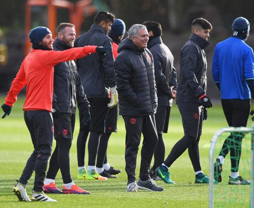Mourinho: Xây đế chế MU, cần thời gian như Sir Alex - 5