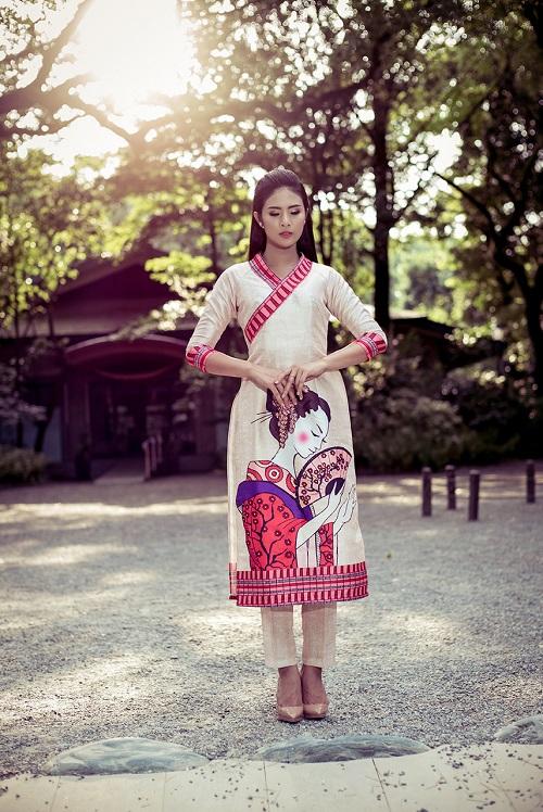 HH Ngọc Hân khoe vẻ kiều diễm với áo dài in họa tiết lạ - 2