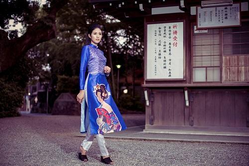 HH Ngọc Hân khoe vẻ kiều diễm với áo dài in họa tiết lạ - 6