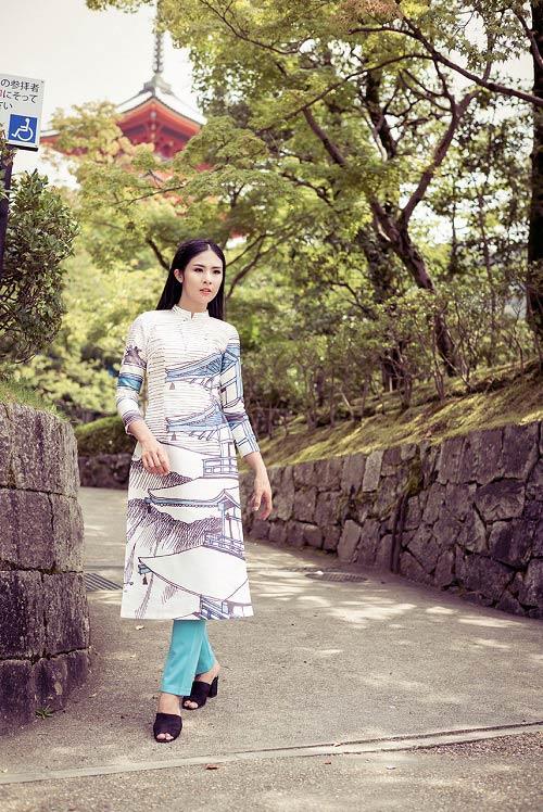 HH Ngọc Hân khoe vẻ kiều diễm với áo dài in họa tiết lạ - 12